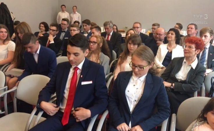 Otrzymali poselski mandat i wkrótce zasiądą w Sejmie
