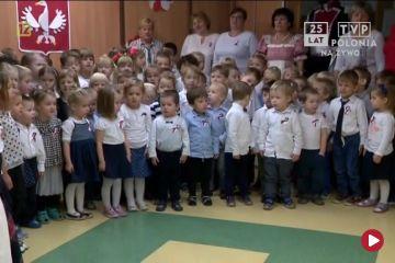 Narodowe śpiewanie z okazji setnej rocznicy odzyskania niepodległości