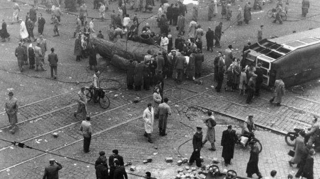 Podczas powstania zginęło ponad 2,5 tys. osób (fot. Keystone / Stringer / Getty Images)