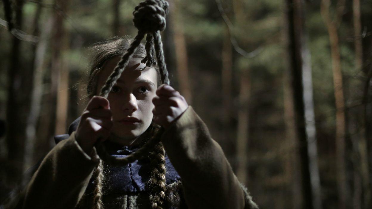 Dziewczyna decyduje się na dramatyczny krok... (fot. M. Makowski/TVP)