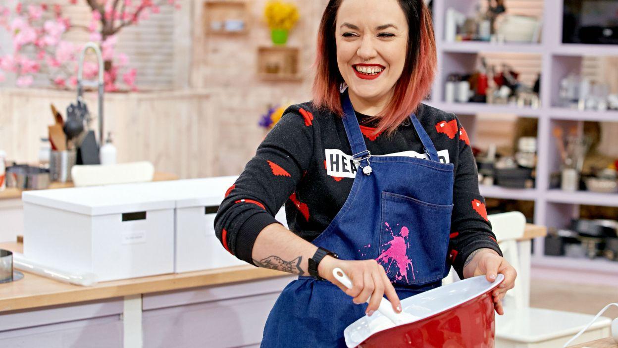 Czas na tort! A najlepiej zacząć z uśmiechem na ustach (fot. TVP)