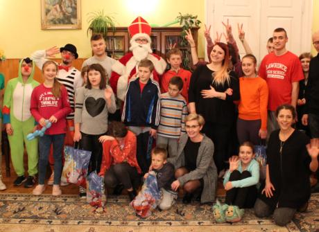 Święty Mikołaj w Domu Dziecka w Strzyżowie