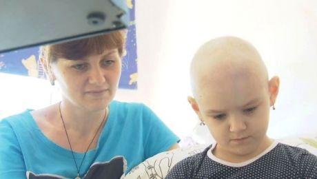 Marina z mamą w olsztyńskim szpitalu przebywa od początku maja