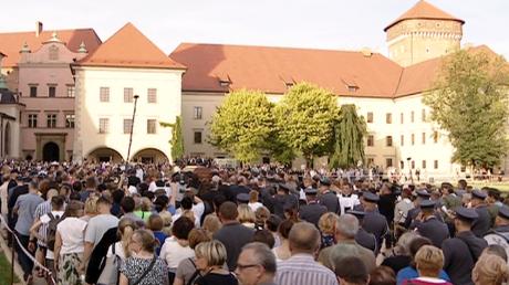 Kondukt żałobny na Wawelu (fot. TVP3 Kraków)