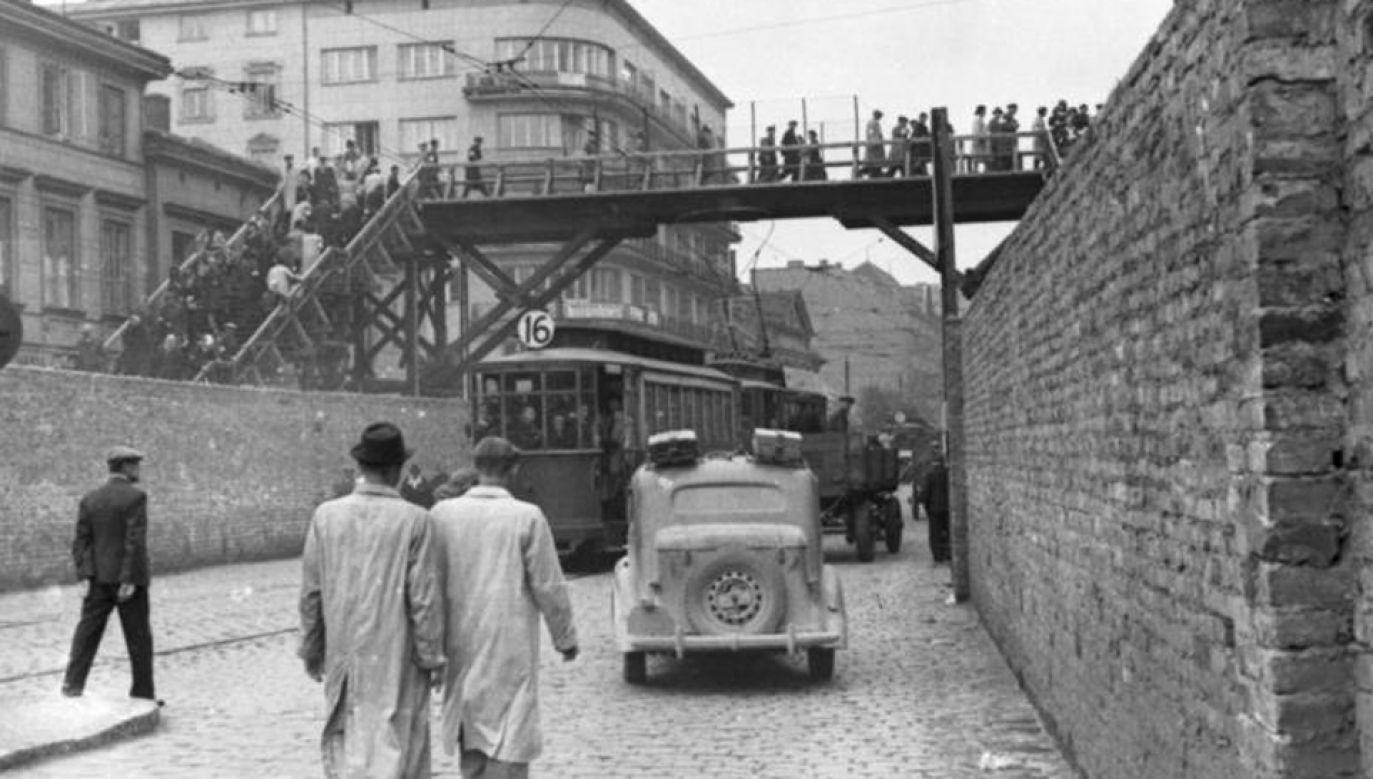 Senat przyjął  ustawę ustanawiającą 24 marca Narodowym Dniem Pamięci Polaków ratujących Żydów pod okupacją niemiecką (fot. Wikimedia Commons)