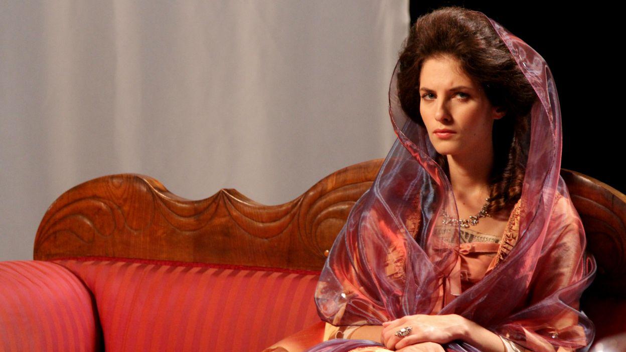 Ważną postacią w życiu Kościuszki była księżna Ludwika Lubomirska; w tej roli wystąpiła Aleksandra Prykowska-Malec (fot. TVP)