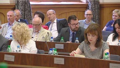 Politycznie na sesji. Radni głosowali nad uchwałą ws. Trybunału