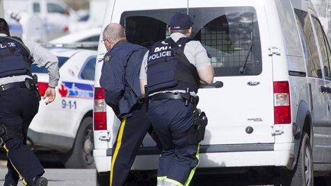Kanada podwyższyła poziom zagrożenia atakami terrorystycznymi (fot.  PAP/EPA/CHRIS ROUSSAKIS)