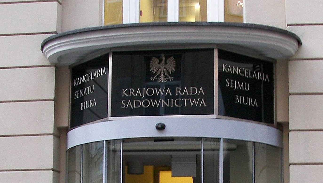 Kluby PO i Nowoczesnej oświadczyły, że nie będą uczestniczyły we wskazywaniu i wyborze sędziów – członków KRS przez Sejm (fot. Wikimedia Commons/VaGla)