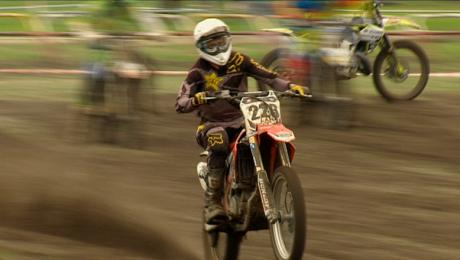 Ryk silników i zapach benzyny. Mistrzostwa Polski w motocrossie
