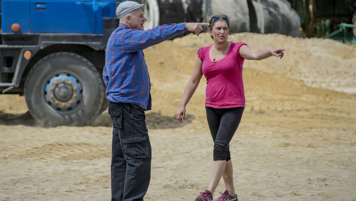 Małgorzata nie opuszcza rolnika nawet na krok (fot. TVP)