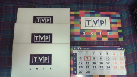 Kalendarze czekają na pięciu telewidzów ślących życzenia