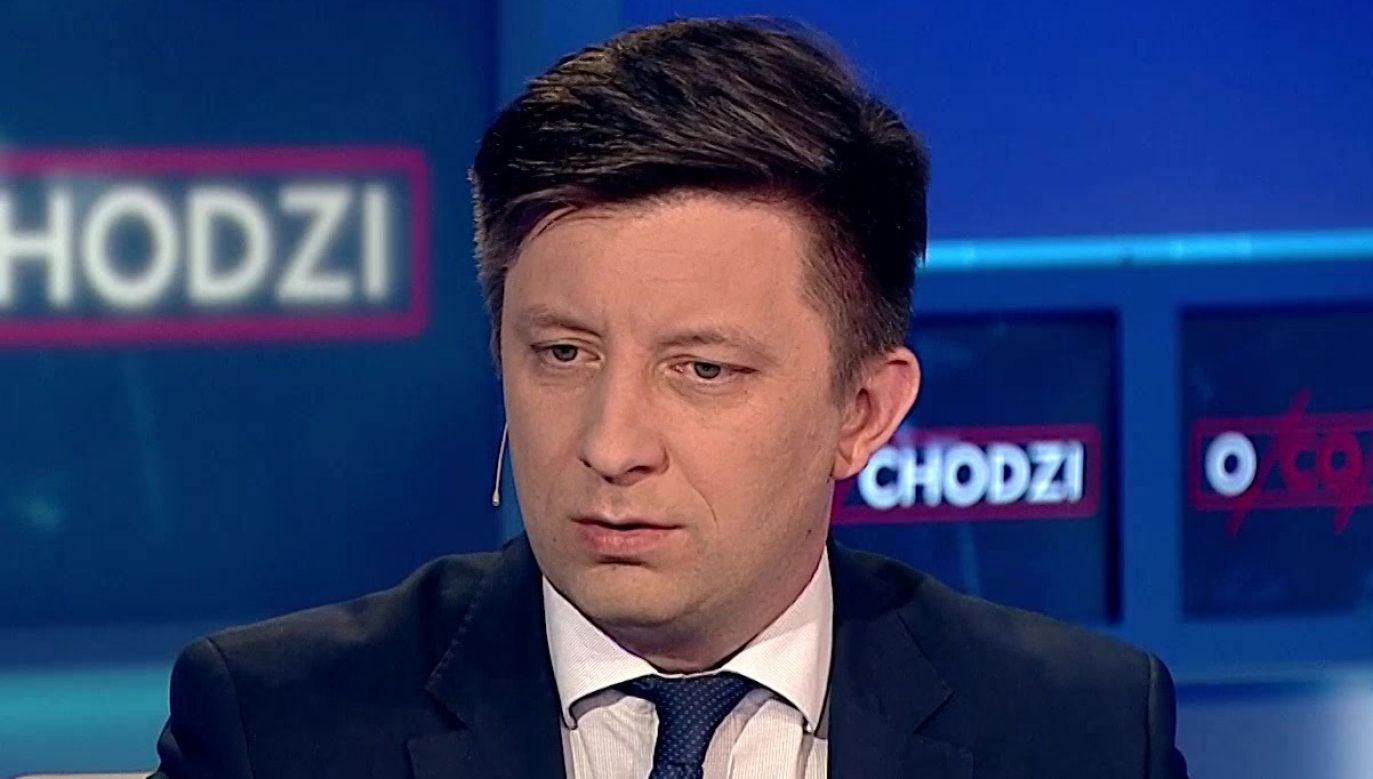 """Szef KPRM Michał Dworczyk był gościem programu """"O co chodzi"""" (fot. TVP Info)"""