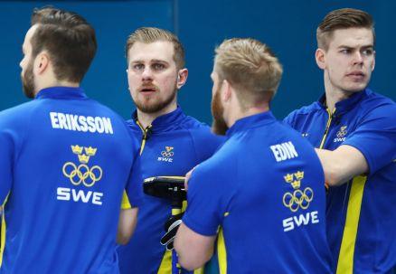 Curling: Szwedzi, Kanadyjczycy i Amerykanie w półfinale