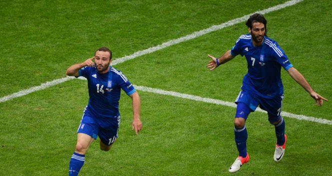 Radość piłkarzy Hellady po zdobyciu wyrównującej bramki (fot. Getty Images)