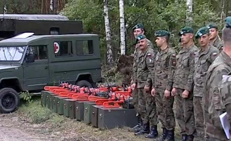 Wojsko pomaga energetykom w usuwaniu skutków nawałnic