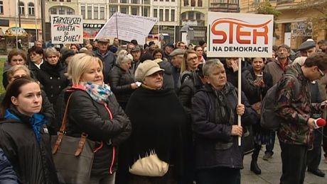 Czarny protest na bydgoskim Placu Wolności