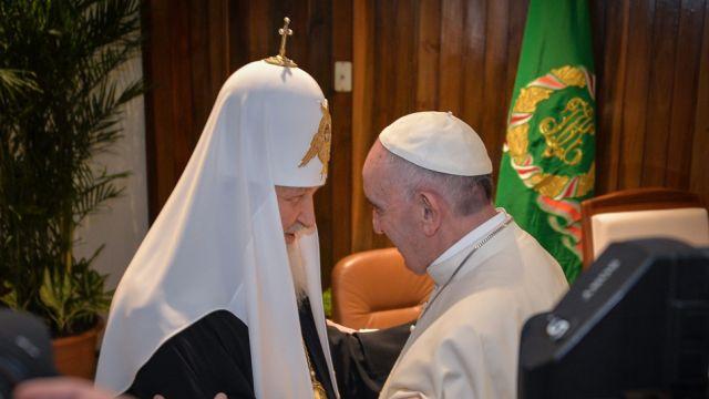 """Będzie kolejne spotkanie patriarchy Cyryla i papieża Franciszka? """"Początek jest tajemnicą i połową wszystkiego"""""""