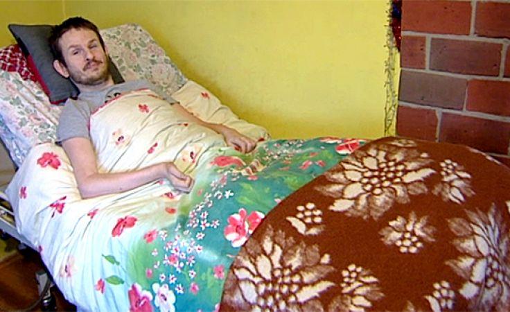 Przykuty do łożka, codziennie walczy z bólem nerek