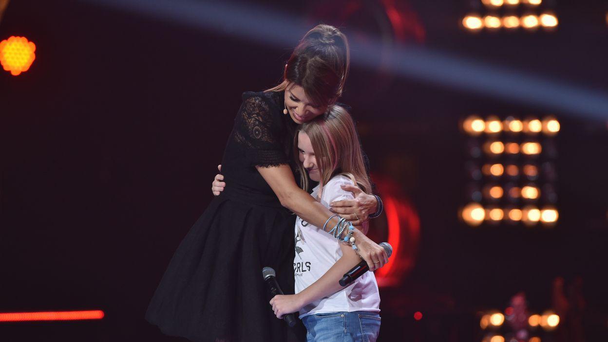 12-letnia Milena jest fanką sportów ekstremalnych, ekstremalny na pewno jest też występ w The Voice Kids. Czy amatorka mocnych wrażeń poradziła sobie na scenie? (Fot. I. Sobieszczuk/TVP)