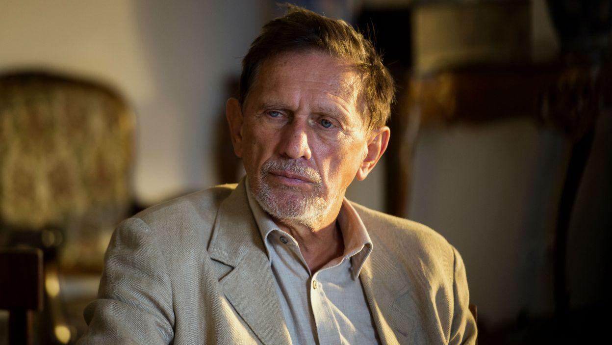 W rolę Doktora wcielił się Jan Englert, który także wyreżyserował spektakl (fot. Jan Bogacz/TVP)