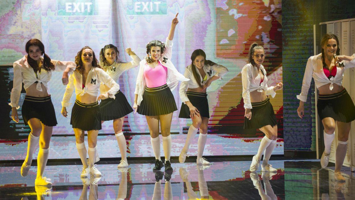 Polska Britney Spears, czyli Monika Mazur! Jurorzy docenili jej postępy w tańcu  w stosunku do pierwszego odcinka (fot. N. Młudzik/TVP)