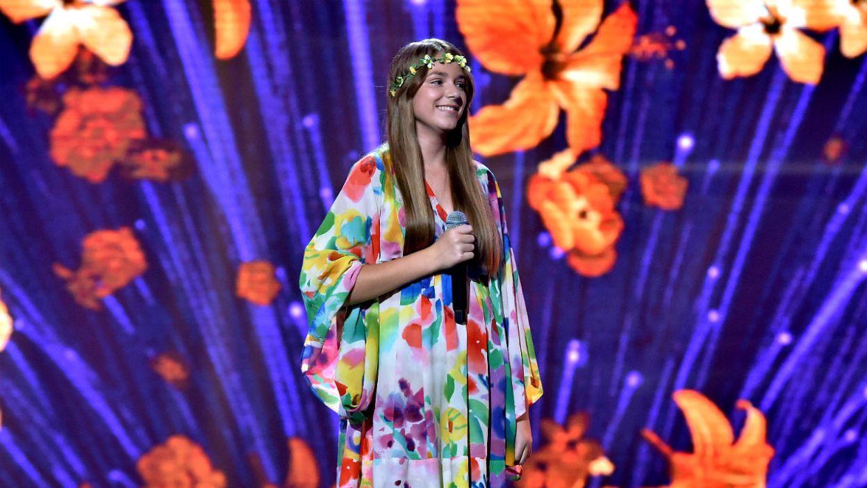 – Trzeba łapać chwile i żyć w pełni. Ja tak robię! – powiedziała Ola Czaplicka. I tak właśnie zaśpiewała retro utwór z repertuaru Anny Jantar (fot. I.Sobieszczuk/TVP)