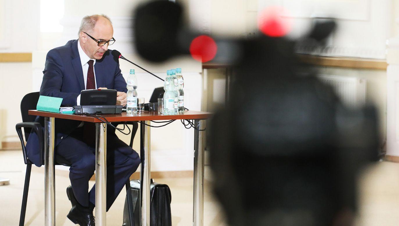 Wiceprezydent Warszawy w latach 2006-2011 Andrzej Jakubiak zeznaje przed komisją weryfikacyjną  (fot. PAP/Paweł Supernak)