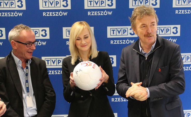 Od prawej Zbigniew Boniek, Agata Wilk, Józef Matusz