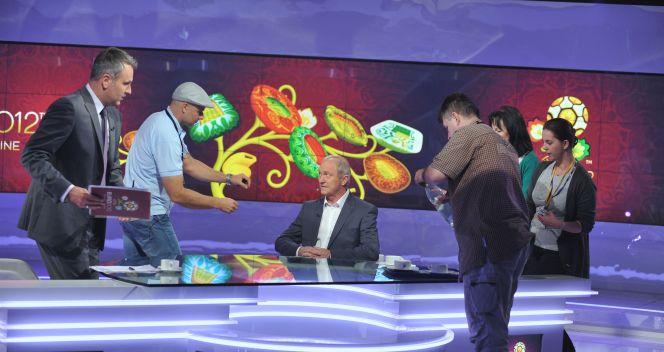 Przygotowania do wywiadu (fot. TVP/J. Bogacz)
