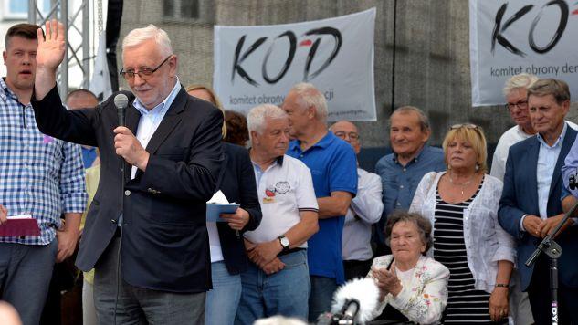 Wystąpienie byłego prezesa Trybunału Konstytucyjnego Jerzego Stępnia podczas pikiety