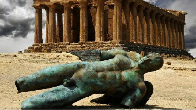 Dedal pozostanie w Pompejach