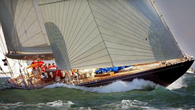 Statek cumuje w podlizbońskim Cascais (EPA PHOTO EPA/ADRIAN DENNIS)
