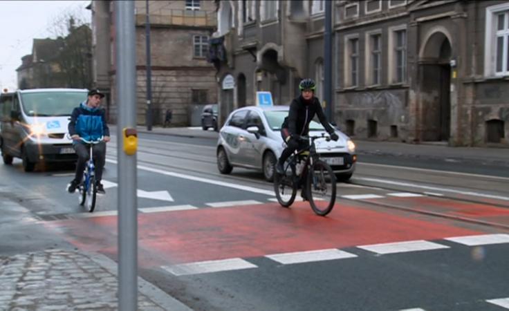 Jak prawidłowo korzystać ze śluzy rowerowej?