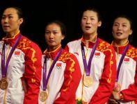 Chinki Li Na, Luo Xiaojuan, Sun Yujie i Xu Anqi – drużynowe mistrzynie olimpijskie w szpadzie (fot. Getty Images)