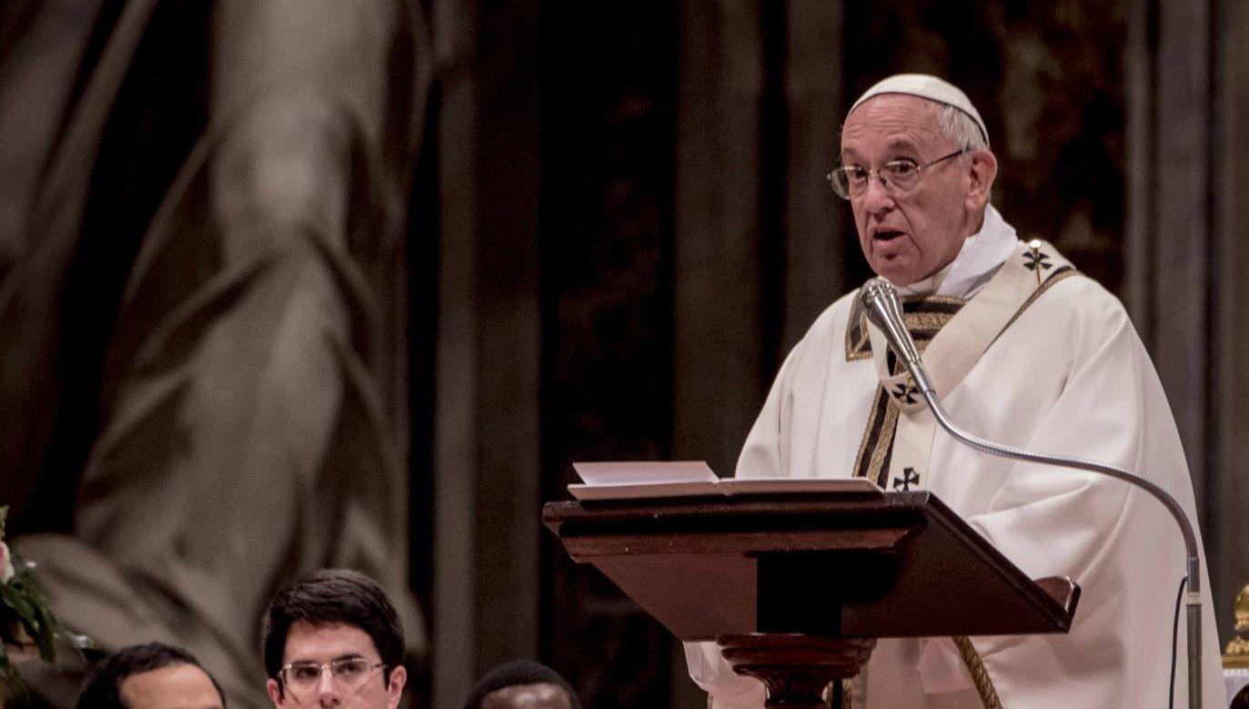 """Papież przestrzegał przed poszukiwaniem szczęścia """"w bogactwie, w przyjemnościach, we władzy, karierze"""". (fot. PAP/Photoshot/RAFFAELLA MIDIRI)"""
