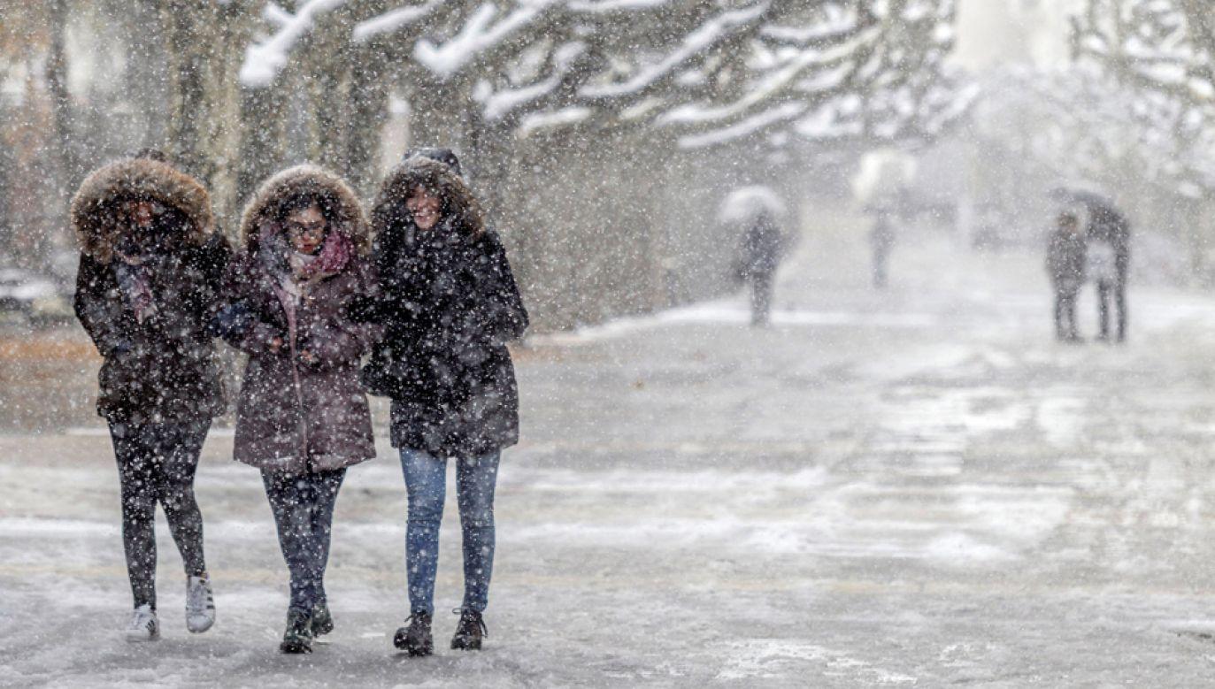 Zima zaatakowała Hiszpanię (fot. PAP/EPA/SANTI OTERO)