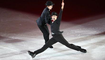 Charlie Chaplin na lodzie. Efektowny pokaz Włochów