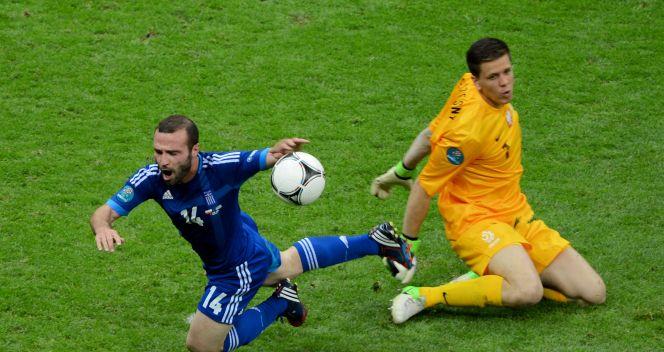 Po tym faulu Wojciech Szczęsny opuścił murawę (fot. Getty Images)