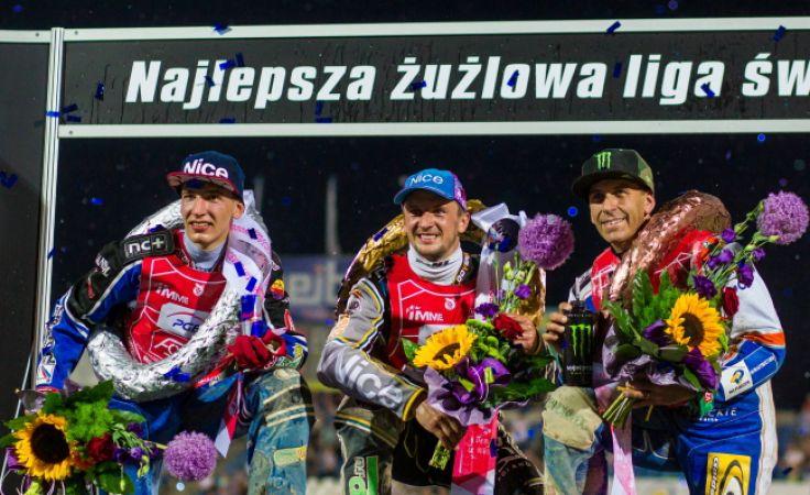 Najlepsza trójka IMME: Grigorij Łaguta  (w środku), Piotr Pawlicki (z lewej)) i Greg Hancock (fot. PAP/Paweł Jaskółka)askółka