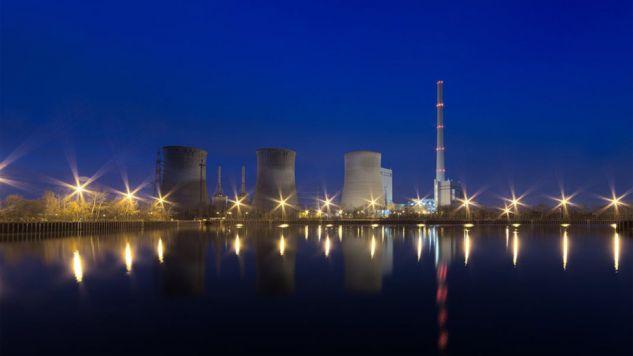 Budowa elektrowni atomowej to ogromna inwestycja (fot. Pixabay)