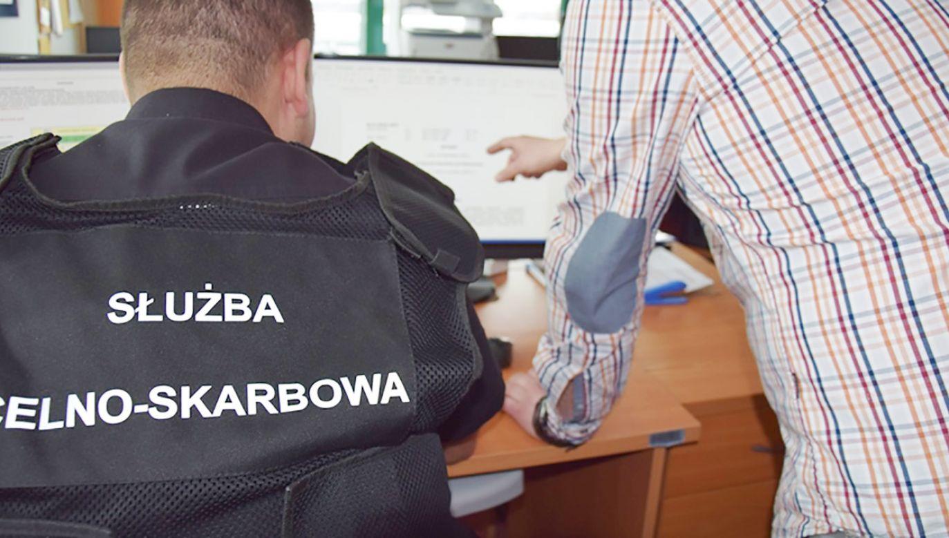 """Podkarpacka KAS wykryła """"karuzelę podatkową"""" (fot.  Podkarpacka KAS)"""