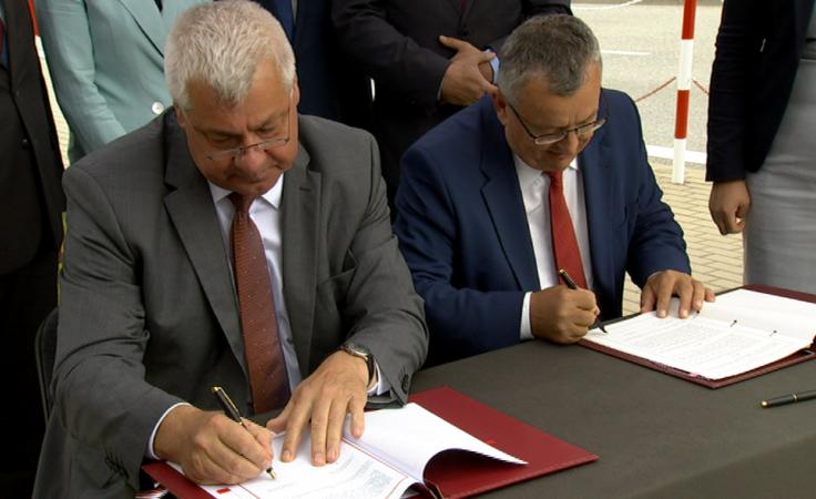 Umowa na połączenie dróg i budowę mostu granicznego