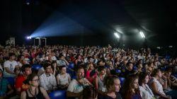 Pokazy filmowe każdorazowo cieszą się dużą frekwencją (fot. pap/epa)