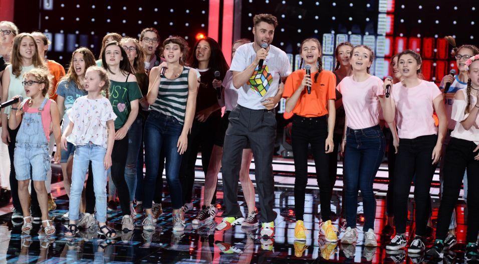 """Zespół RUBIK lubi dzielić się nie tylko w piosence """"Pół na pół"""". Podzielił się także opolską sceną z młodzieżowym chórem, czy przyniosło im to szczęście? (Fot. J. Bogacz/TVP)"""