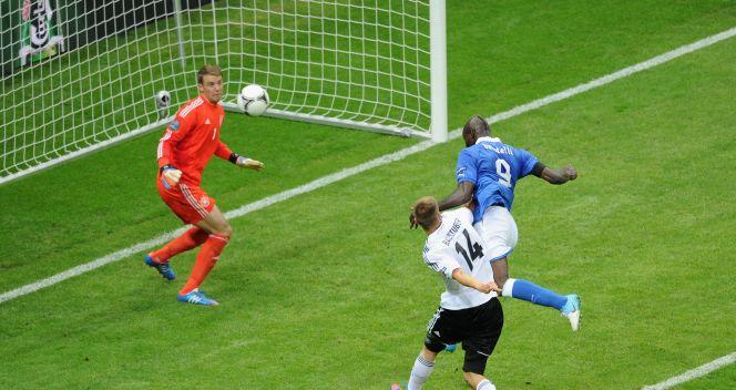 Manuel Neuer był bez szans (fot. Getty Images)