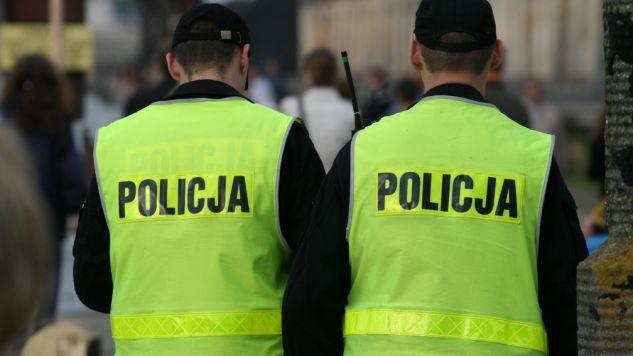 Czy można filmować policjantów? (fot. flickr.com/włodi)