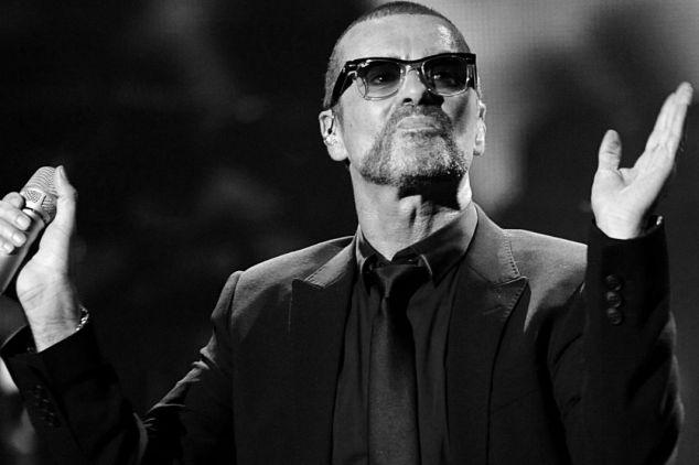 George Michael swoją działalnością artystyczna wpisał się do kanonu kultowych wokalistów  (fot. PAP/EPA/FILIP SINGER)