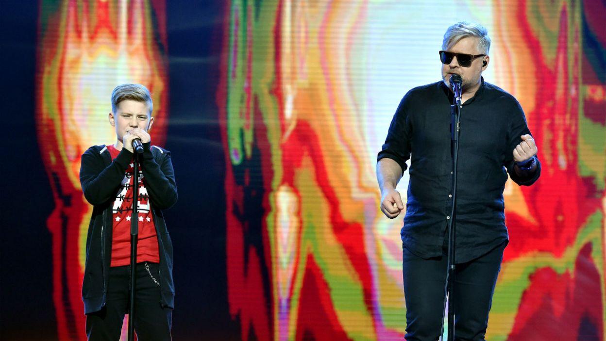 """Michał Rosiński wybrał jedną z najpiękniejszych rockowych ballad """"Nadzieja"""" Artura Gadowskiego, którego słucha następne pokolenie fanów. (fot. I. Sobieszczuk/TVP)"""