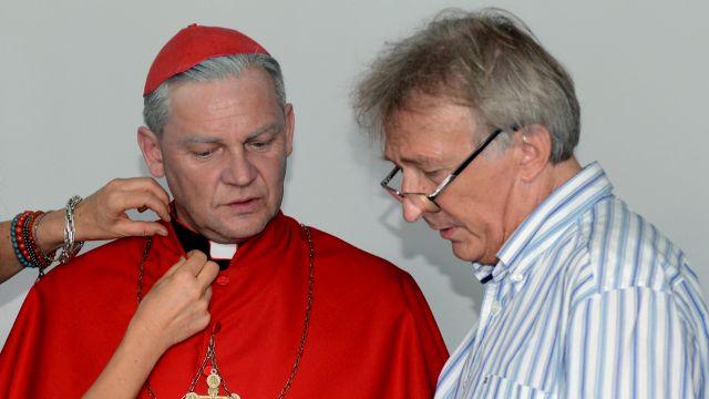 Papież z krwi i kości